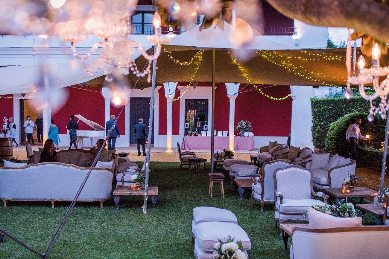 Mobiliario con estilo para eventos en la Costa del Sol