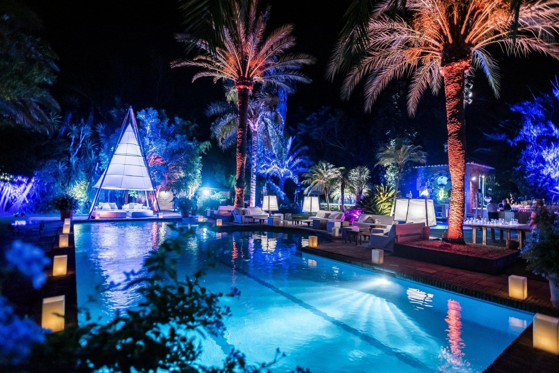 tipis_para_bodas_eventos_en_piscina